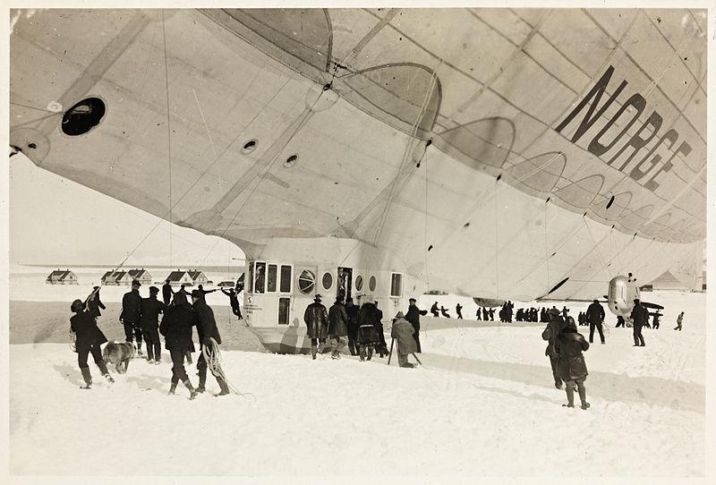 Standard 800px luftskipet  norge  like f r avreise fra ny  lesund  11. mai 1926