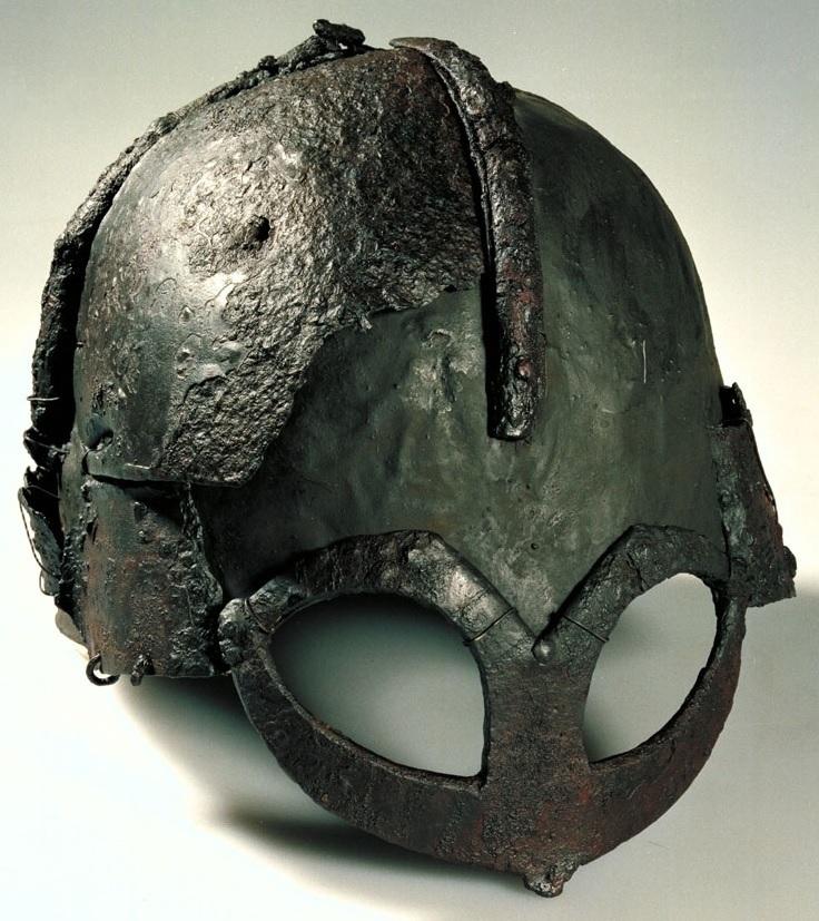 Standard gjermundbu helmet   cropped 1