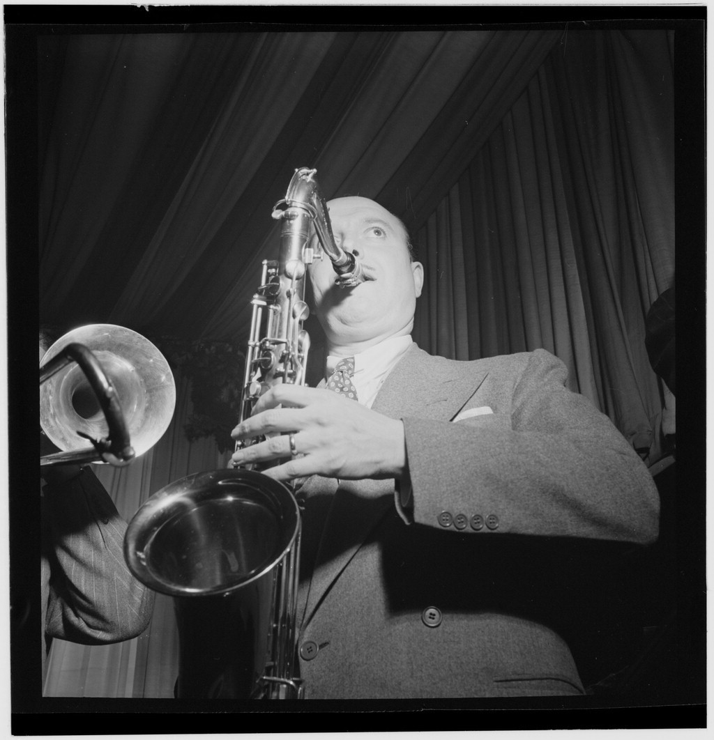 Standard bud freeman  eddie condon s  new york  between 1946 and 1948  william p. gottlieb 11651