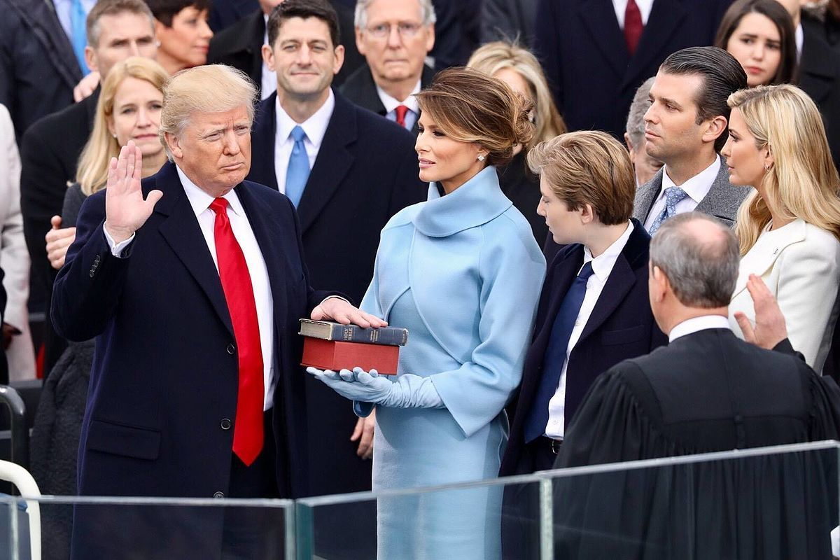Standard 1200px donald trump swearing in ceremony