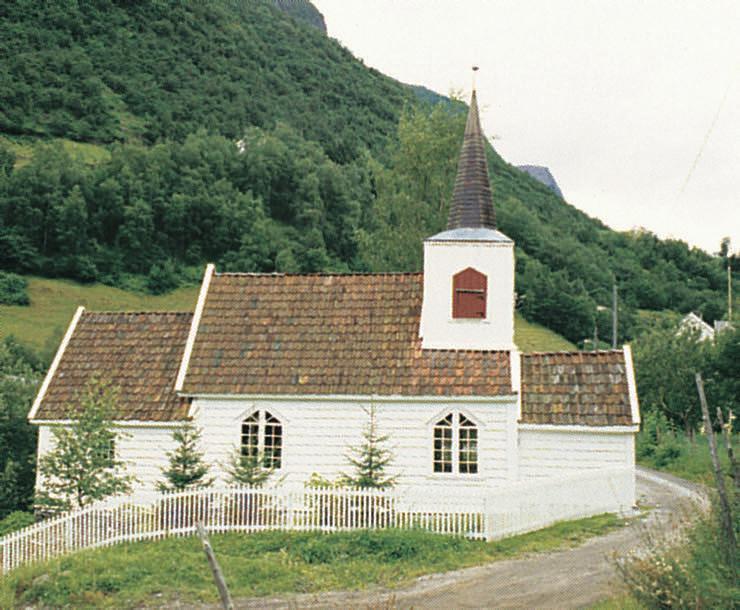 Standard undredal stavkirke