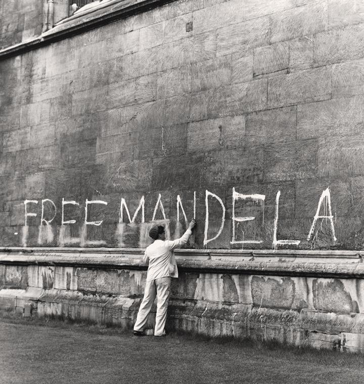 Standard mandela nelson graffiti