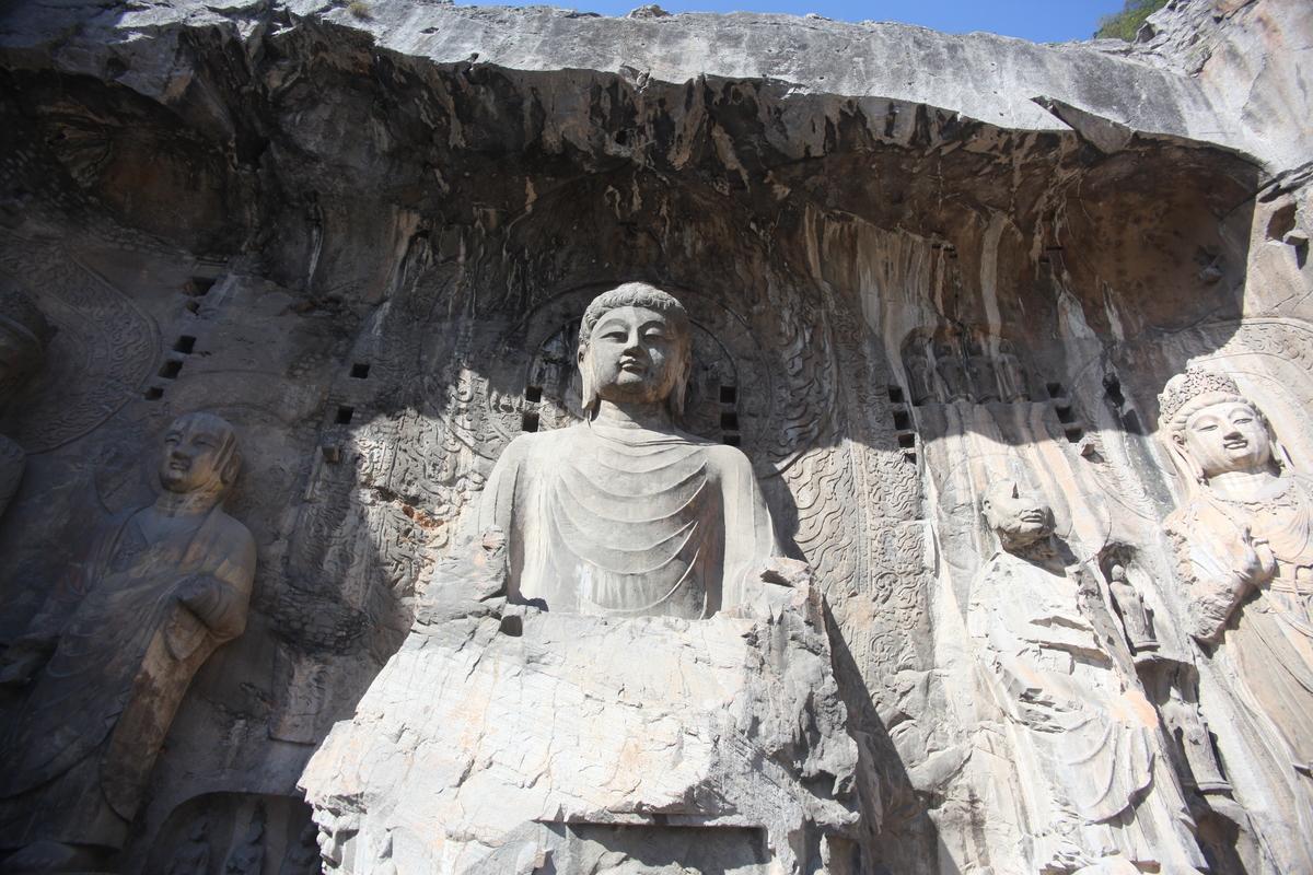 Standard lushena buddha at longmen grottos in luoyang