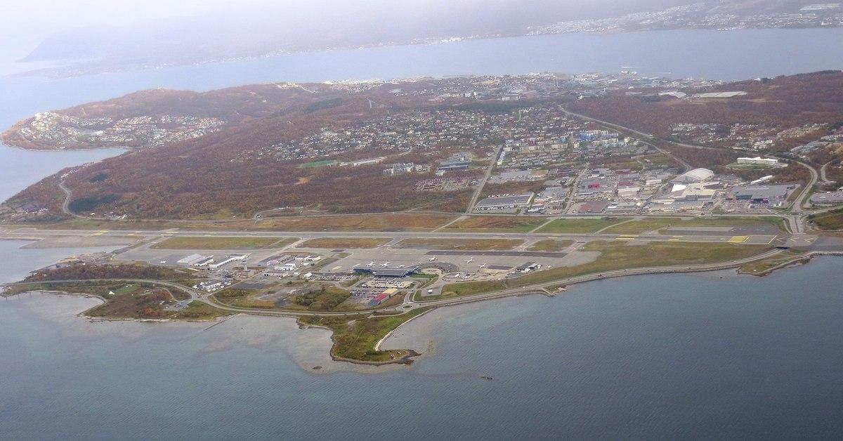 Standard 2048px tromsö img 3231 langnes lufthavn  2