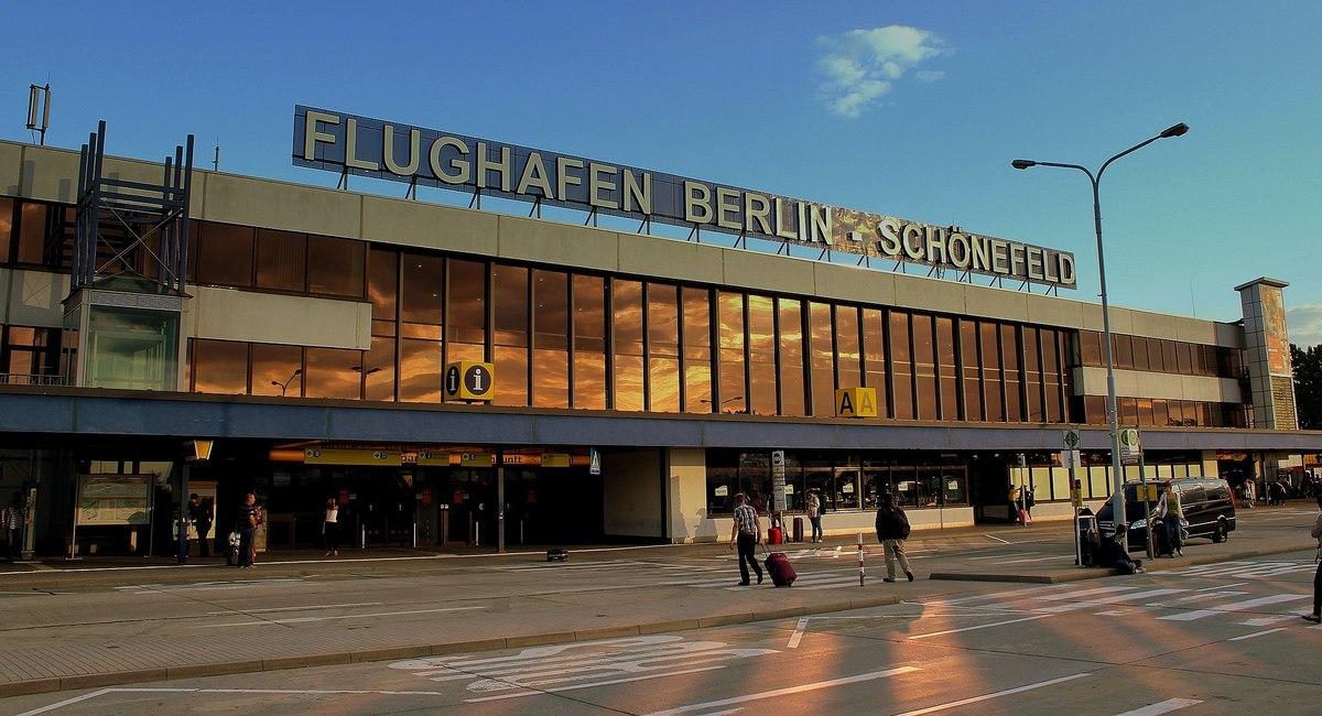 Standard 2048px flughafen schonefeld berlin germany june 2013  2