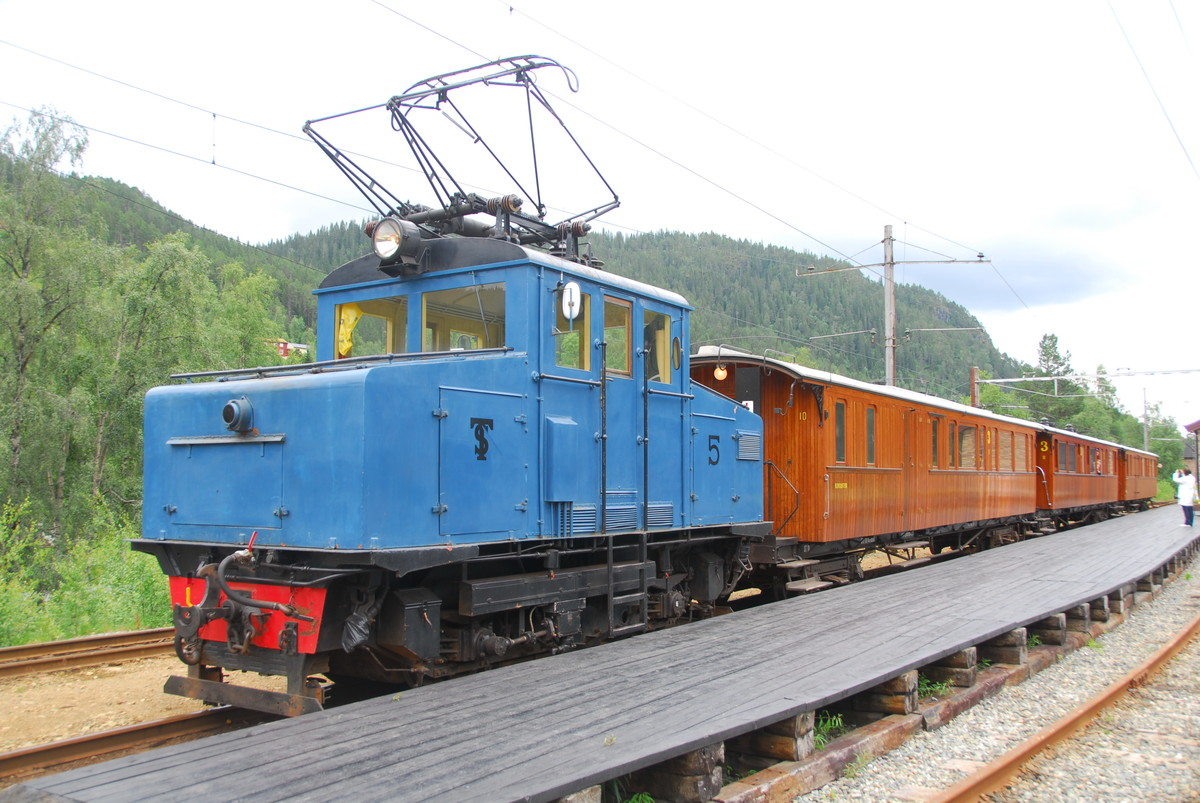 Standard thamshavnbanen loco 5 at løkken