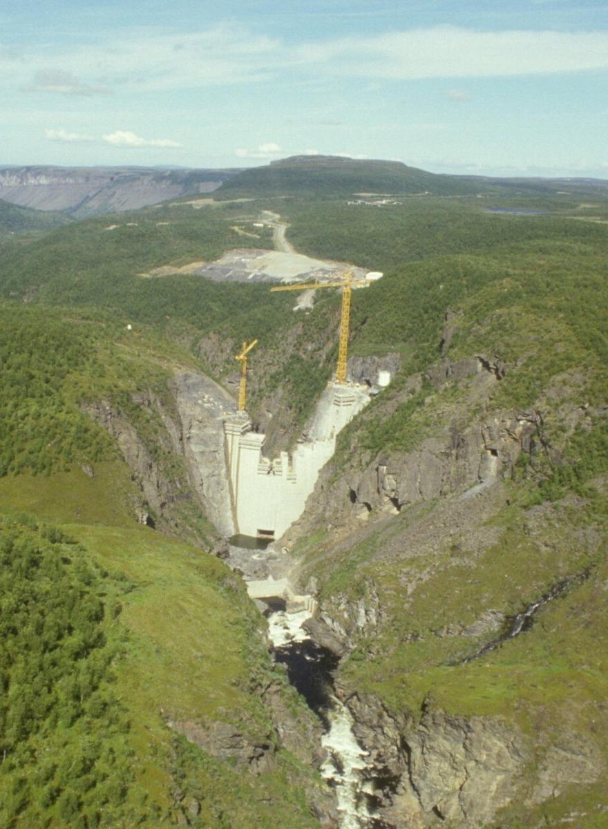 Standard cropped savtso kraftverk alta dammen under bygging 09 07 1986 koh